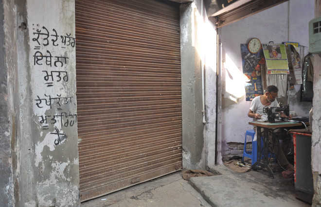No urinals, abusive messages dot city walls to dissuade users