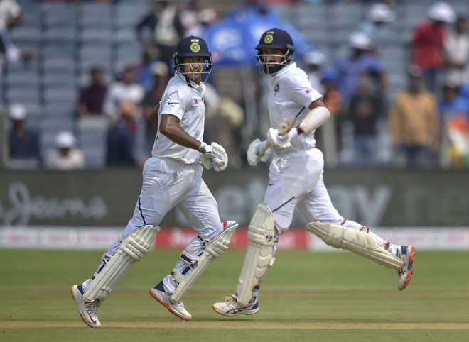 Mayank Agarwal powers India to 273/3 on day one vs South Africa