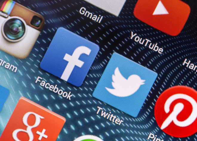 Experts flag social media's adverse impact on poll