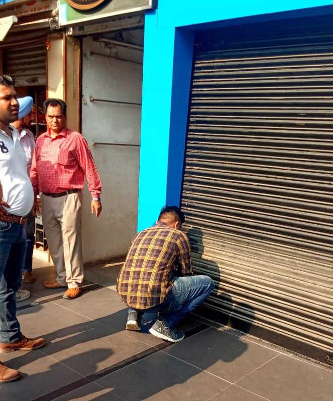 SCO in Sec 17 sealed for building violations