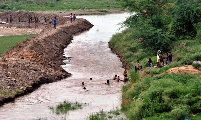 Construction of bridge on Ghaggar hangs fire