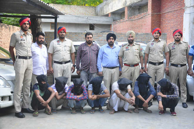 Gang of vehicle lifters busted, 7 held