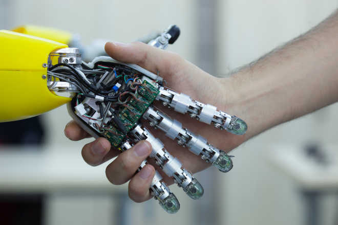 First autonomous humanoid robot with full-body artificial skin developed