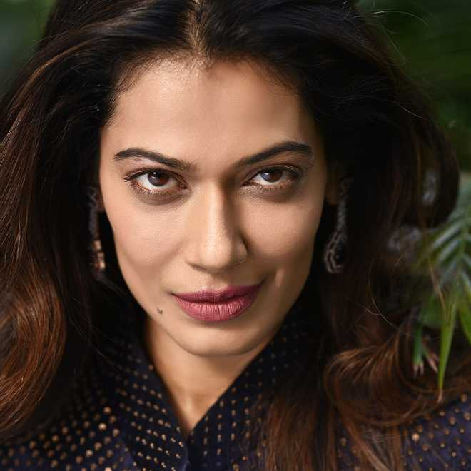 Case against TV actor Payal Rohatgi over her FB video against Nehru