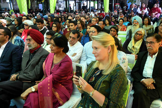 From Bollywood to battlefield, Day 2 takes literati back in time