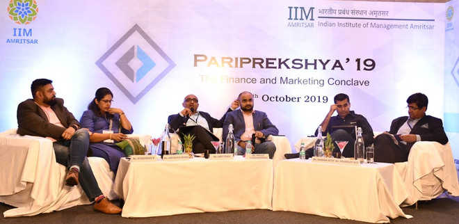 Finance and Marketing Conclave concludes at IIM