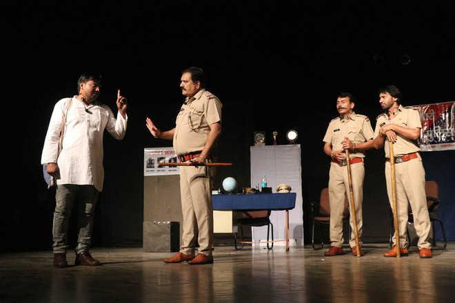 'Do Vardiya' highlights better side of police force in society