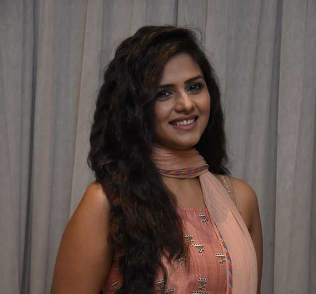 Felt pain in chest while missing son in ''Bigg Boss'': Dalljiet Kaur