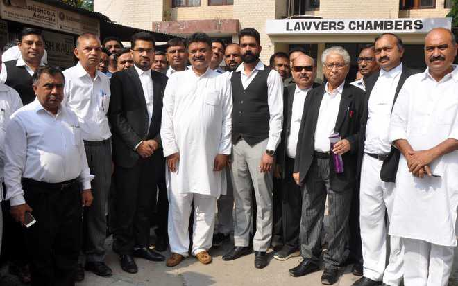 Special parking for lawyers if voted to power, says Chander Mohan