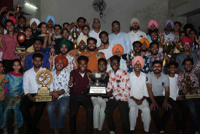 Youth fest winners honoured at Rajindra College