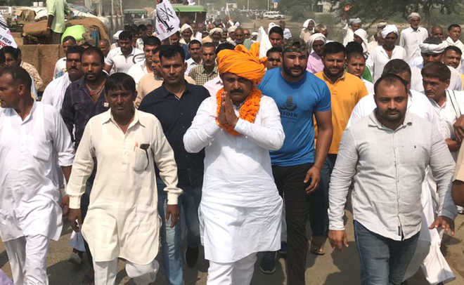 In Meham, BJP rebel giving jitters to party, Cong MLA