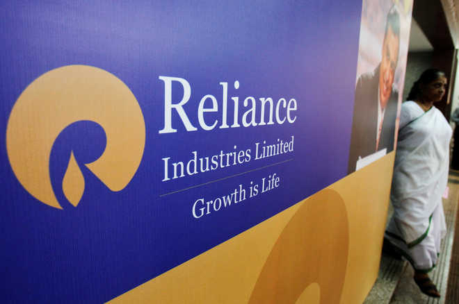 RIL becomes first Indian co to breach Rs 9 lakh cr m-cap mark