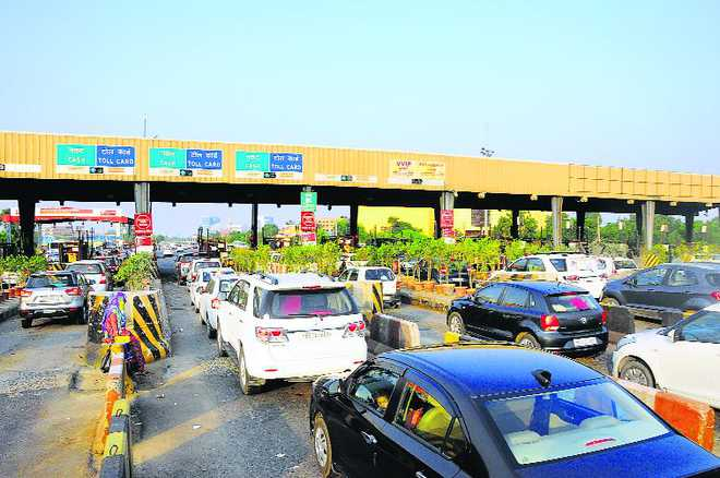 Public outcry against 'fleecing' toll plazas