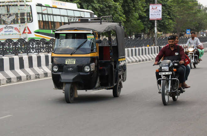 RTA, DC told to stop plying of autos beyond MC limits