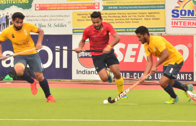 Indian Oil, Punjab & Sind Bank to vie for  title in Surjit Hockey tourney