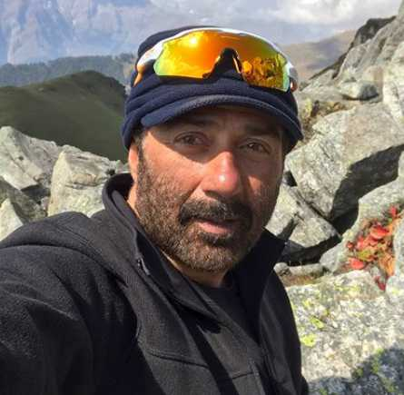 This is how Sunny Deol celebrated his 63rd birthday