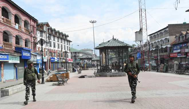 Restrictions imposed in parts of Srinagar lifted; normal life remains affected