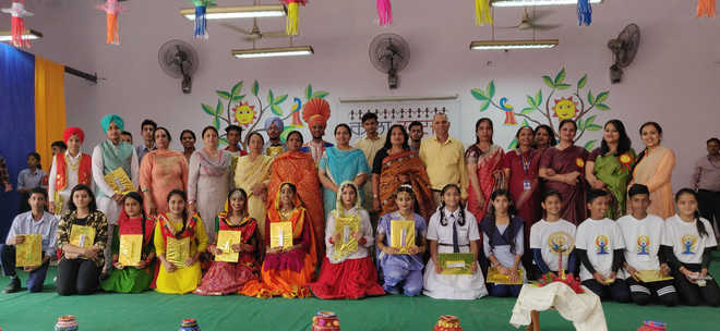 Students showcase music, painting talent at Kala Utsav