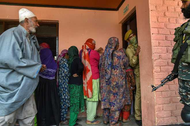 Despite boycotting BDC polls, Cong throws weight behind BJP rebels