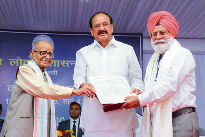 Punjabi varsity VC bestowed with Paul H Appleby Award