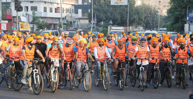 Cycling for a cause: Say no to drugs, stubble burning