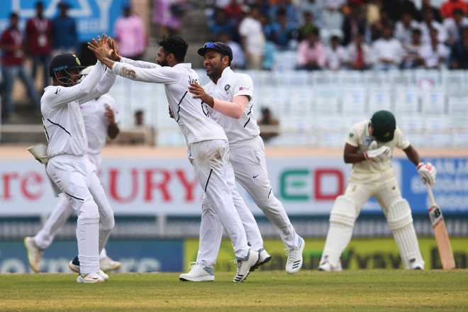 India 2 wickets away from 3-0 clean sweep against South Africa