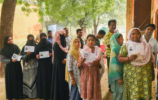 Moderate turnout in bypolls to 51 assembly and 2 Lok Sabha seats; rains mar polling in Kerala