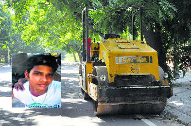 Rehri-puller crushed under road roller