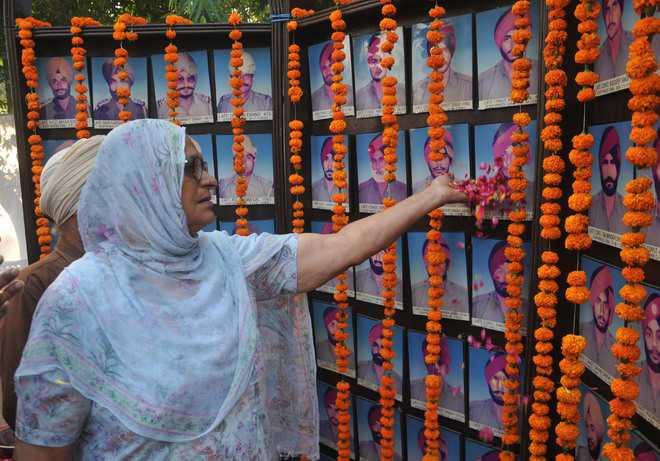 Tributes paid to martyrs on Police Commemoration Day