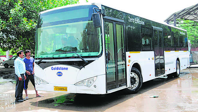 Small buses to ease congestion in Shimla