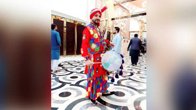 Dhol stays king, continues to rule music lovers' hearts