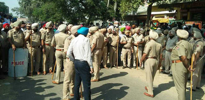 Tension grips Rajpura as labourers go on rampage