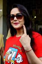 B-town celebs turn out to vote