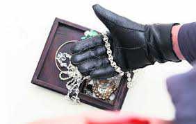 Jewellery stolen from Sec 7 house