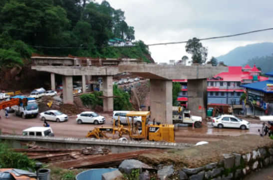 Parwanoo-Solan highway without bus bays