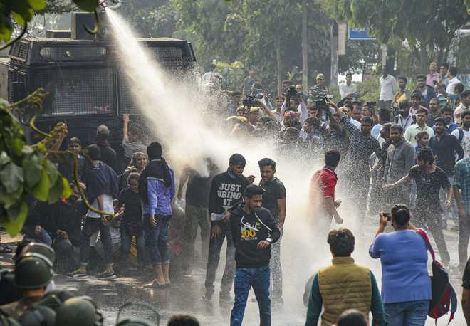 Students, police clash over 400 pc fee hike at JNU on convocation day