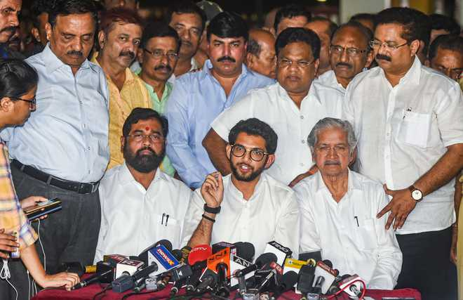 Cong dithers on support to Sena, Maharashtra Guv invites NCP