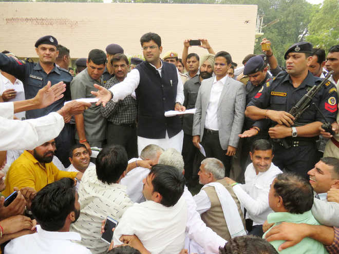 Dushyant assures purchase of every grain in market