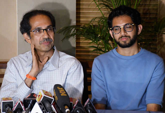 As Cong-NCP dilly dally, Uddhav open to talks with BJP