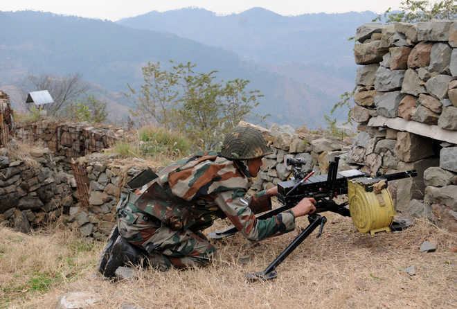 Pakistan shells forward posts along LoC in Rajouri district