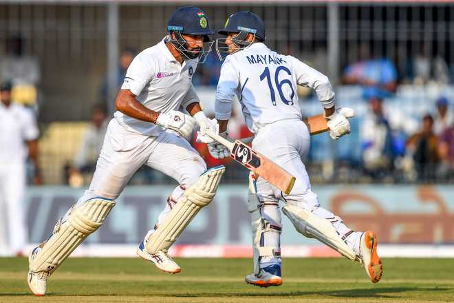 Fiery pacers blast Bangladesh out for 150, India 86/1 on day 1