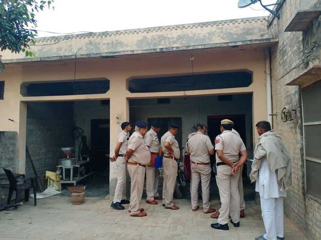 Man shoots niece, self in Hisar village
