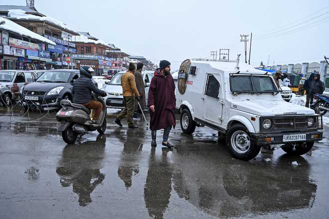 Situation in J-K getting normal, detained leaders being released gradually: MHA to MPs