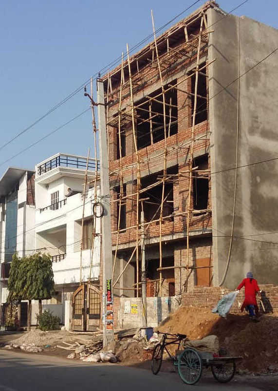 Construction of illegal buildings in top gear