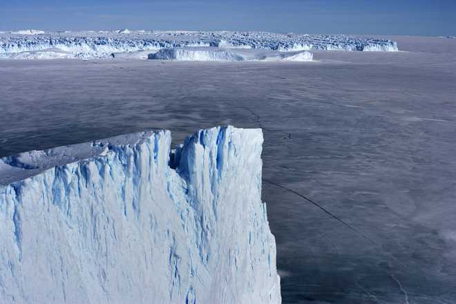 Melting ice sheets may cause 'climate chaos'