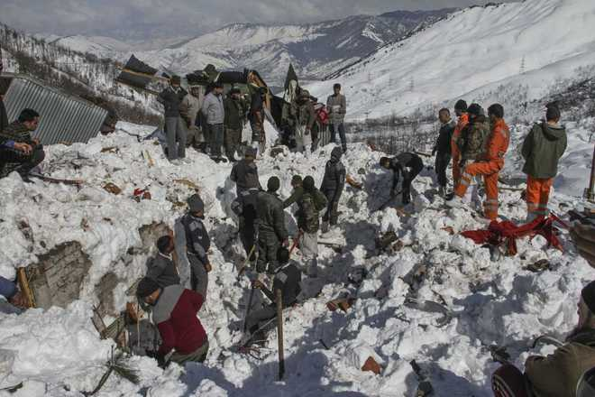 Another body recovered from Jammu-Srinagar avalanche debris