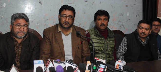 Kargil leaders upset over division HQs in Leh district, threaten stir