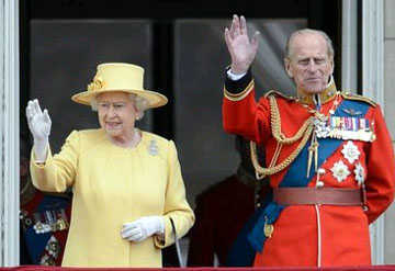 UK's 97-yr-old Prince Philip gives up driving licence after car crash