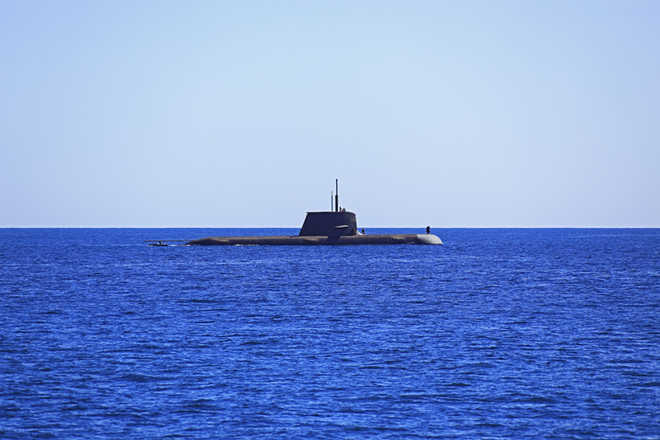 Australia signs $50 bn submarine contract with France