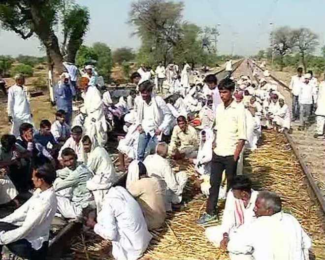 Gujjar quota agitation enters day 4; highways, railway tracks blocked